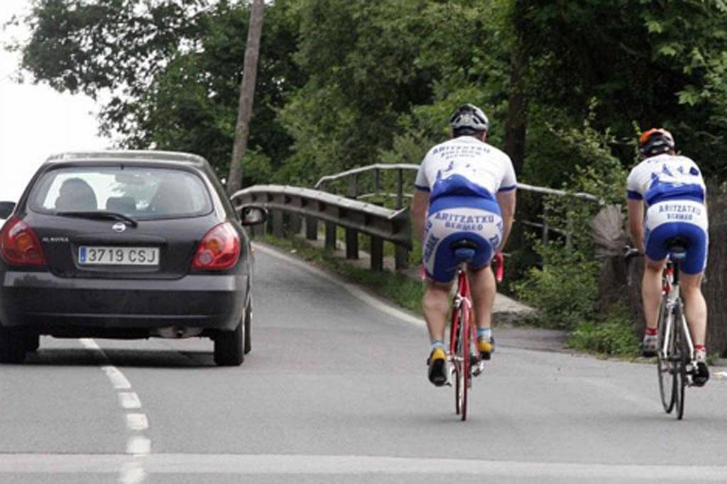 ciclistas-pequeña-definitiv