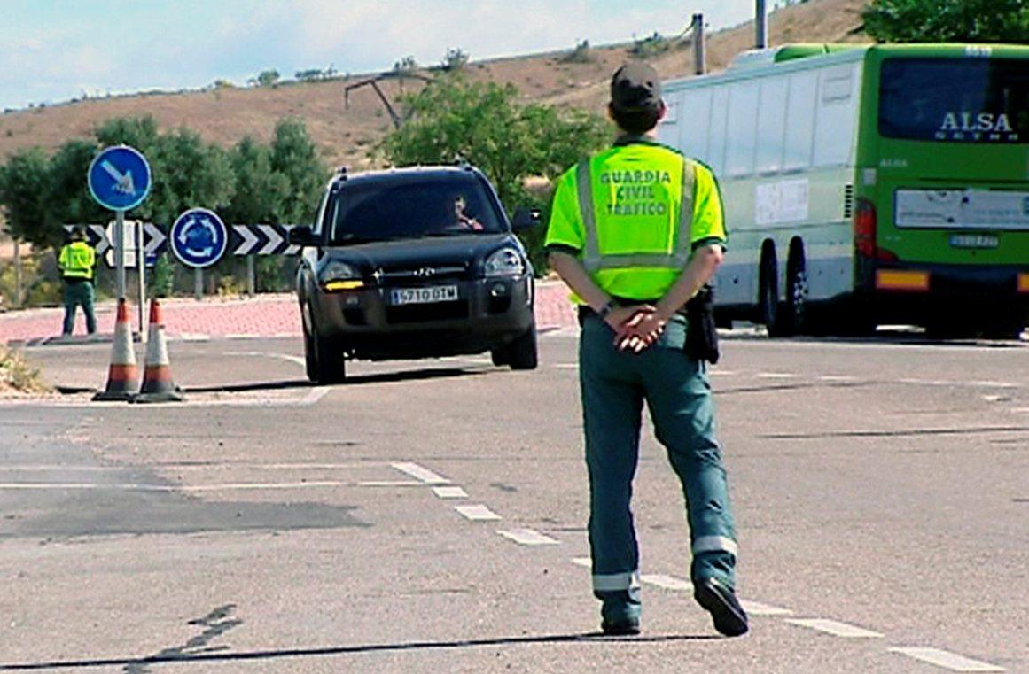 TRÁFICO PIDE A CONDUCTORES QUE VIAJEN POR AUTOVÍAS EN LUGAR DE SECUNDARIAS