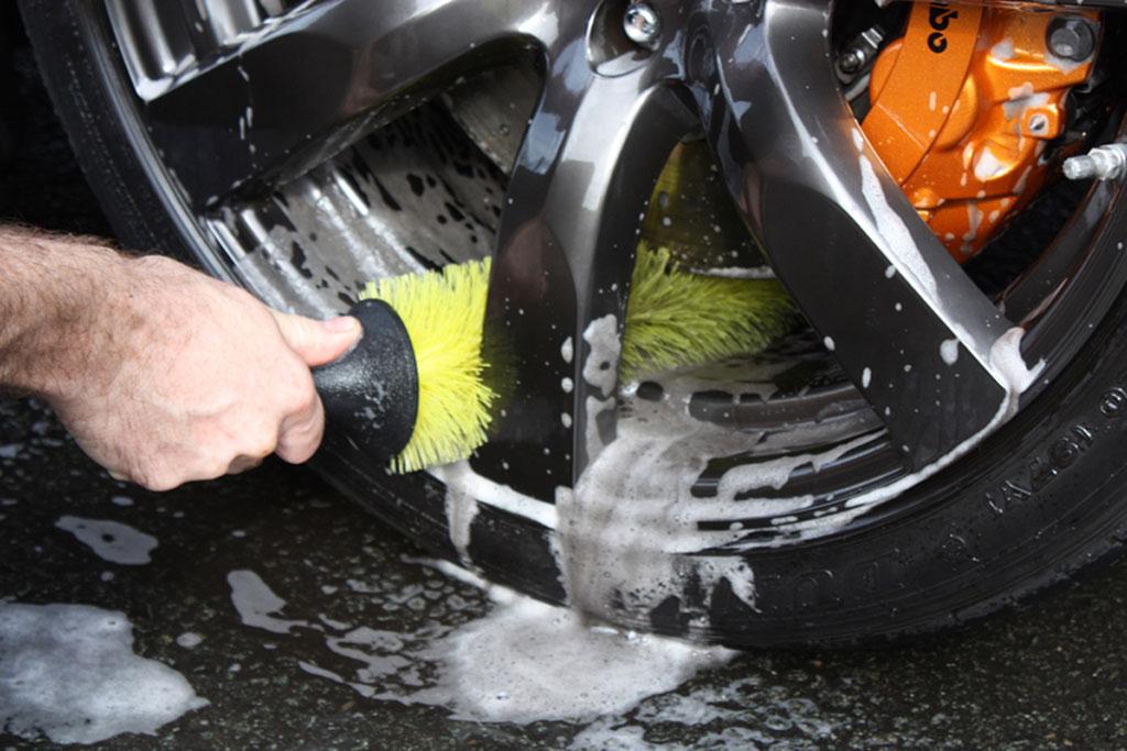 limpieza-coche-pequeña-defi